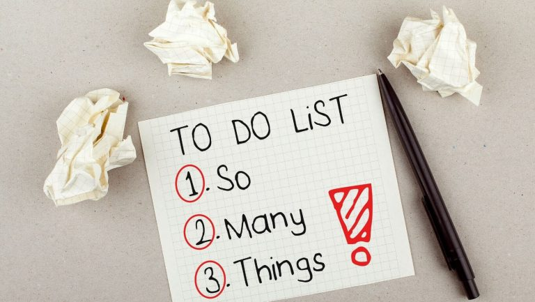 a to do list - tips for overcoming procrastiantion